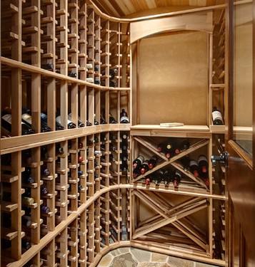 Arredamenti cantine vino - Mobili per cantine ...